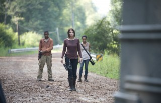 the-walking-dead-alone-lawrence-gilliard-jr-lauren-cohan-sonequa-martin-green