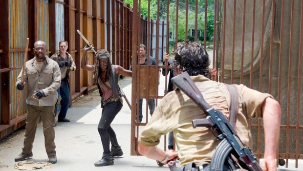 the-walking-dead-episode-605-morgan-james-michonne-gurira-post-800x600